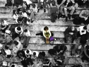 solitude-dans-la-foule